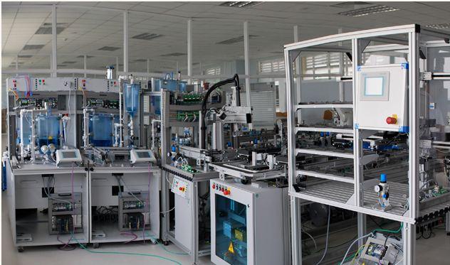 PTN Cơ điện tử - Cao đẳng quốc tế miền Đông